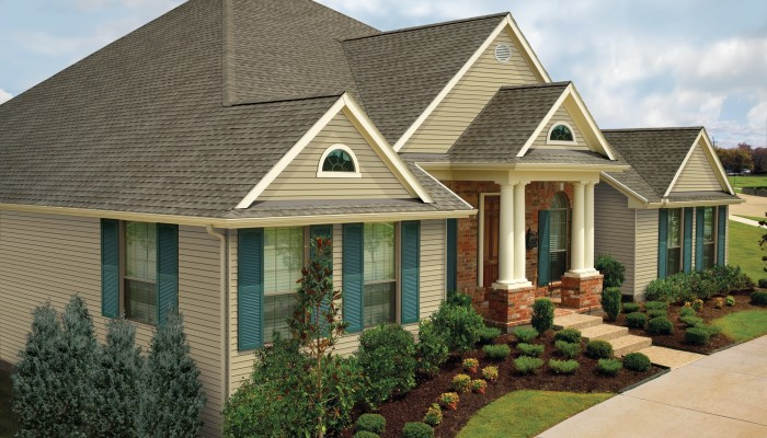 GAF Timberline Natural Shadow Weathered Wood House